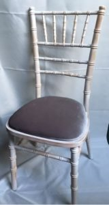 Chiavari chair with grey pad